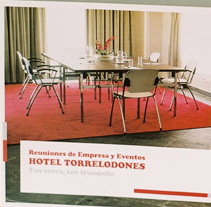 Hotel Torrelodones. A Design project by Tea for two Comunicación gráfica  - 08.18.2009