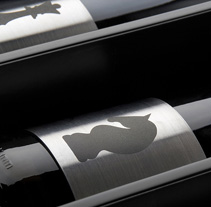 Cuatro Almas | Wine Packaging | Steel. A Design, Illustration, Advertising, Photograph, Art Direction, Br, ing, Identit, Packaging, and Product Design project by Sergio Daniel García         - 13.07.2012