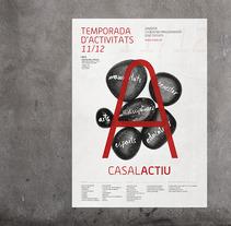 Comunicación actividades Casal. Um projeto de Design e Fotografia de Tomás Castro         - 20.11.2012