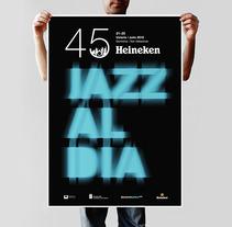 Cartel Jazz al dia. Um projeto de Design e Fotografia de Tomás Castro         - 20.11.2012