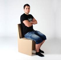 Silla y escritorio de cartón. Un proyecto de Diseño, Diseño de muebles y Diseño de producto de José García Magdaleno - 23-05-2012