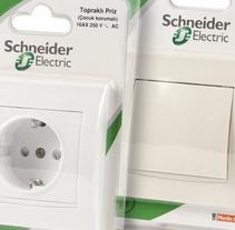Schneider . A Design, and Packaging project by Mediactiu agencia de branding y comunicación de Barcelona  - Jun 04 2014 12:00 AM
