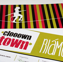 Logomarca y aplicaciones publicitarias para Clooown Town. A Advertising, and Graphic Design project by Antía Méndez Conde-Pumpido         - 15.06.2014
