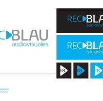 Corporativa RecBlau Audiovisuales. Um projeto de Design editorial, Design gráfico e Web design de Sergio Sala Garcia         - 06.05.2013