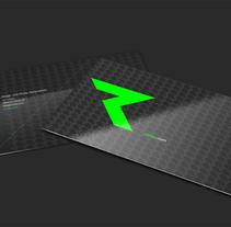 """""""THE R_EVOLUTION"""" SELF BRANDING. Um projeto de Direção de arte, Br, ing e Identidade e Design gráfico de RETOKA         - 13.12.2014"""
