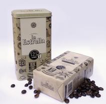 Packaging 125 aniversario de Cafés La Estrella. Un proyecto de Diseño, Ilustración, Dirección de arte, Diseño gráfico y Packaging de Héctor Rodríguez         - 24.09.2012