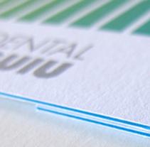 BRANDING PARA CLÍNICA DENTAL GUIU. Un proyecto de Ilustración, Br, ing e Identidad y Diseño gráfico de Dani Jané Sors         - 16.03.2015
