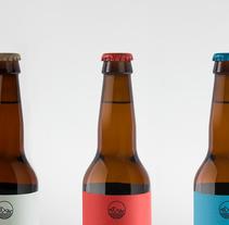 BlackBay Brewery & CO. Um projeto de Direção de arte, Br, ing e Identidade, Design gráfico e Packaging de Carlos de Toro         - 19.08.2015