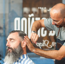 TRUHÁN & SEÑOR / BARBER SHOP. A Art Direction, Design, and Photograph project by Alberto Ojeda - 09.08.2015