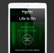 App 'Life is On' para Schneider Electric. Um projeto de Design de informação e Web design de Pascal Marín Navarro         - 09.08.2015