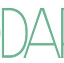 Maquetación de revista de moda. Um projeto de Design, Direção de arte, Design editorial e Design gráfico de Adonai Canals Barbero         - 31.05.2011