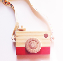 Wooden Camera. A Design, Illustration, Packaging, Product Design, To, and Design project by Àngel Soriano - 11-04-2016