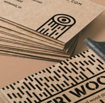 Diseño de las tarjetas de visita para la empresa VERI WOOD. Un proyecto de Diseño, Ilustración, Diseño gráfico e Ilustración vectorial de Lidia Lobato - 05-01-2017