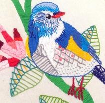 Ilustrando con hilo y aguja: Blue Bird. Un proyecto de Ilustración y Artesanía de Omaira Vaquero         - 03.01.2018